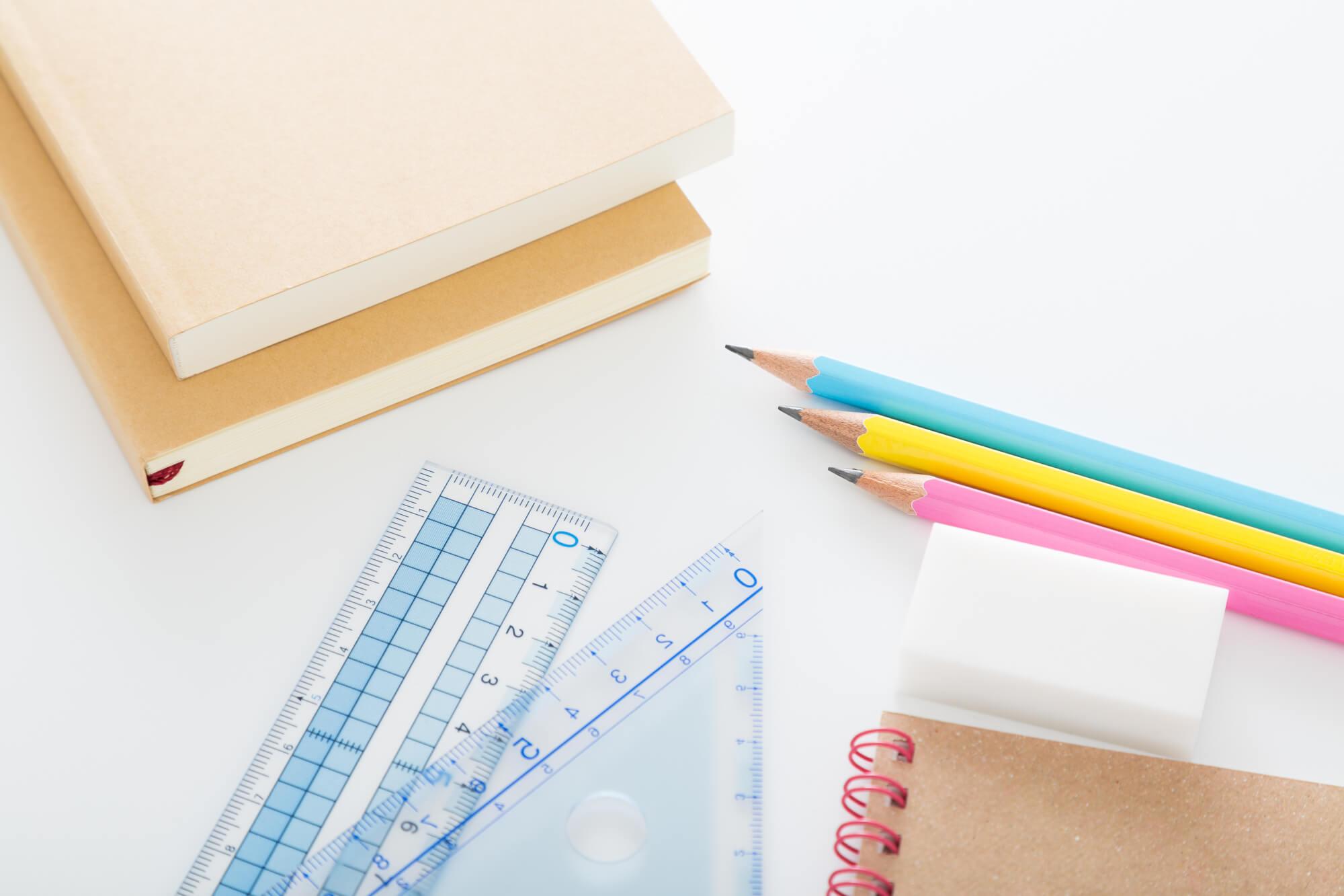 【宅建を独学で合格しよう】必要な勉強時間と効率的な勉強を解説