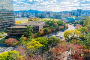 秋の小倉城天守閣からの眺め
