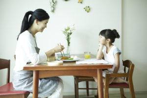 シングルマザーの家庭(イメージ)