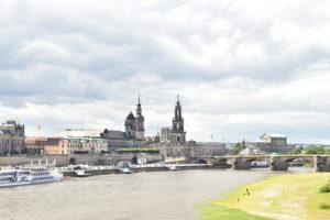 エルベ川とドレスデンの街並み